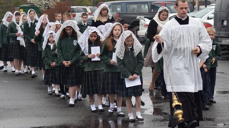 Resultado de imagem para catholic school fsspx